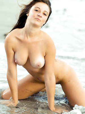 Showy Beauty  Linda  Babes, Boobs, Breasts, Tits, Natural