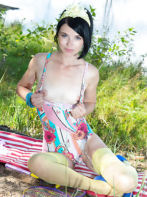 Amour Angels  Sindy  Beautiful, Teens, Skinny, Solo