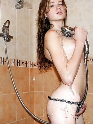 Glam Deluxe  Emanuelle  Bath, Shower, 18 year, Teens, Young